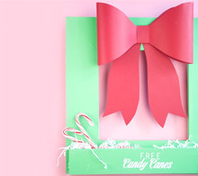 Free candy canes wreath decor